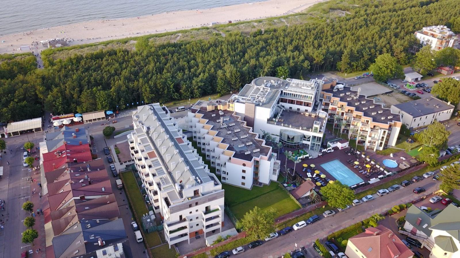Widok z góry na hotel Maloves we Władysławowie